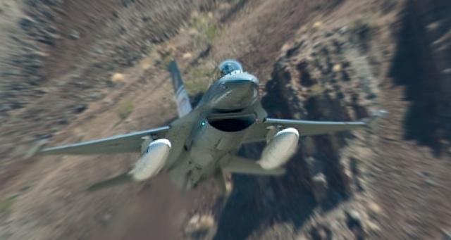 С включением Auto-GCAS, пилот «превращается в статиста»