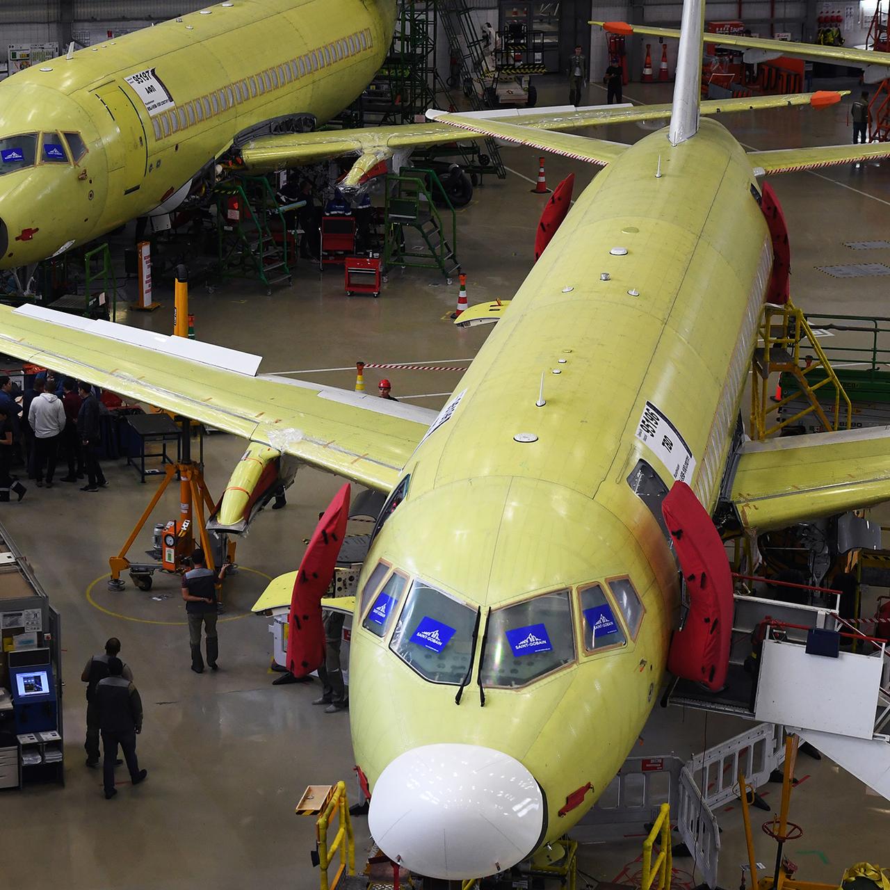 Как ни назови производителя SSJ100 (RRJ), самолёт от этого не изменится…