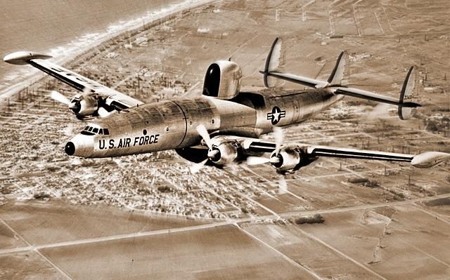 Lockheed_WV:EC-121_Warning Star